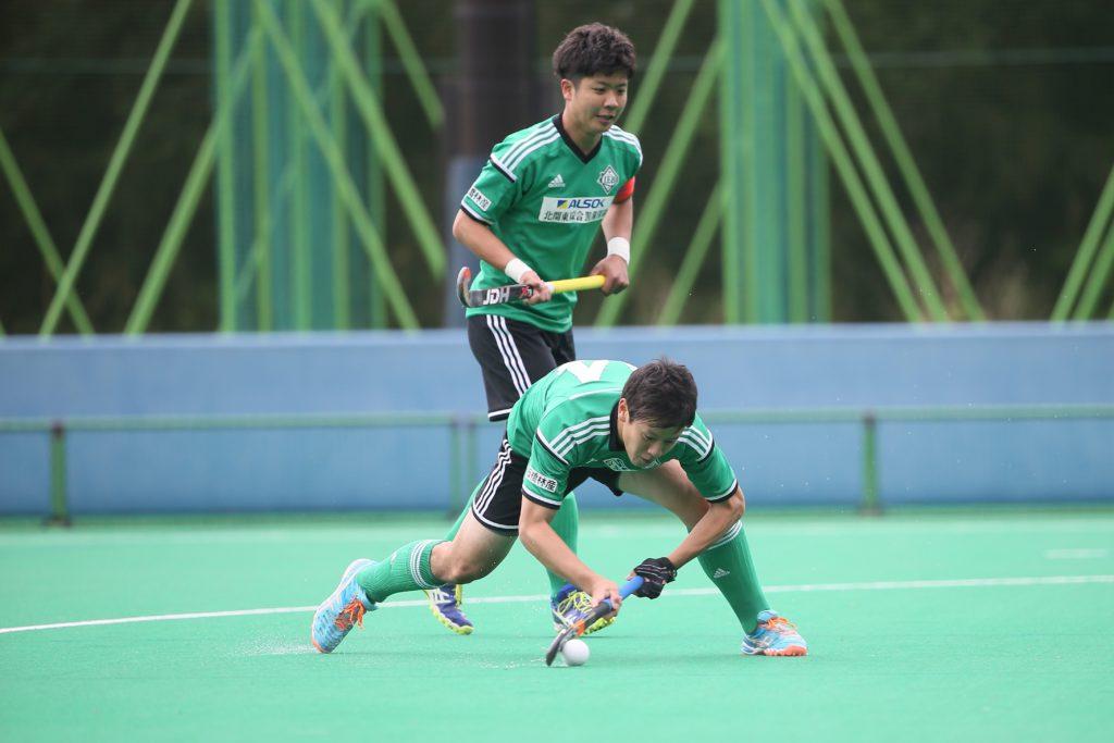 この試合2得点を決めた#14大橋雅貴選手(LIEBE栃木)が果敢に相手ゴールへシュートを放つ
